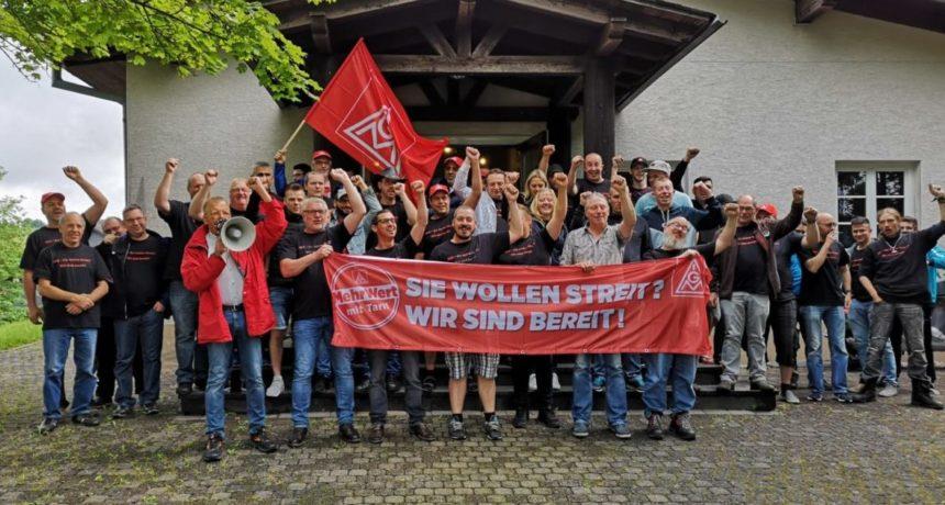 100% für Streik bei HES - RIVA STAHL