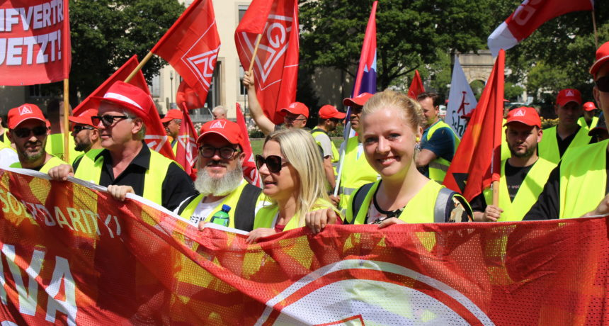 RIVA Tarifverhandlungen in Frankfurt begleitet von Solidaritätsdemo und Kundgebung