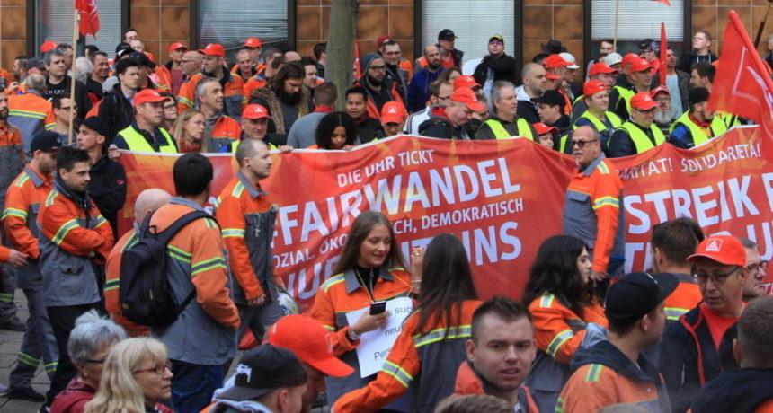 """RIVA Streikende solidarisch mit Stahlarbeitern im Saarland: """"Stahl hat Zukunft dafür kämpfen wir gemeinsam"""""""