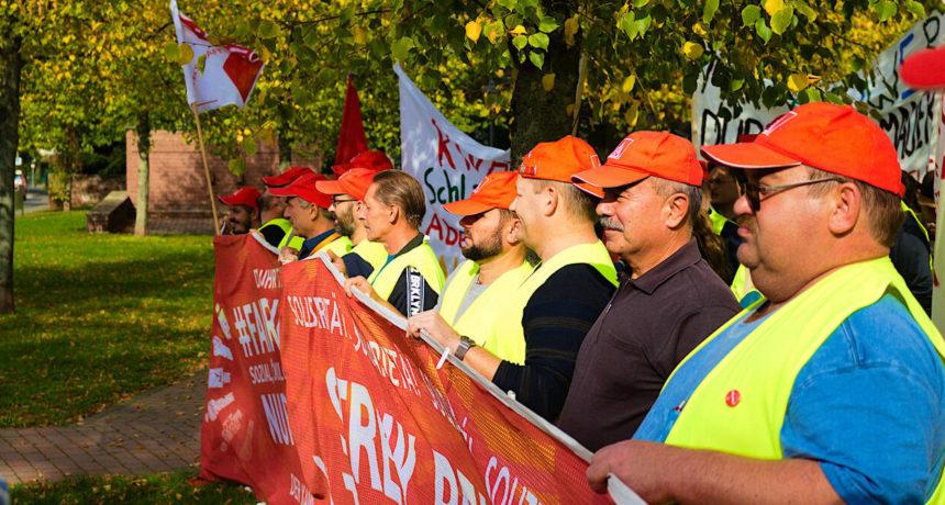 Streik bei RIVA - Zusammenhalt und Entschlossenheit in der 19. Streikwoche