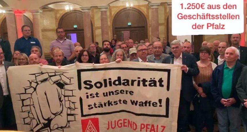 """Jörg Hofmann unterstützt die Streikenden bei RIVA: """"Ihr beweist Haltung und Rückgrat"""""""